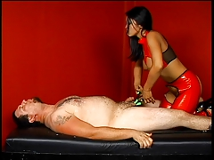 Hot mistress banged by her..