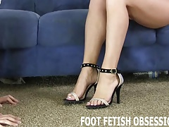 Worship my feet allied to a..