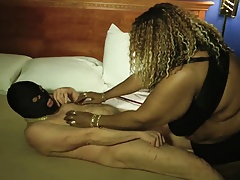15-Oct-2015 Domme Nyte Queen..