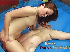 Petite Asian wench has her..
