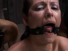 Upside in babe gives blowjob